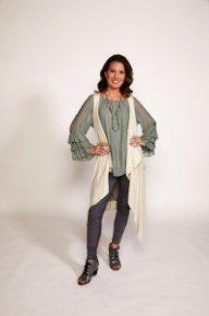 hot-moms-fashion_staci-fall_9-2017_web