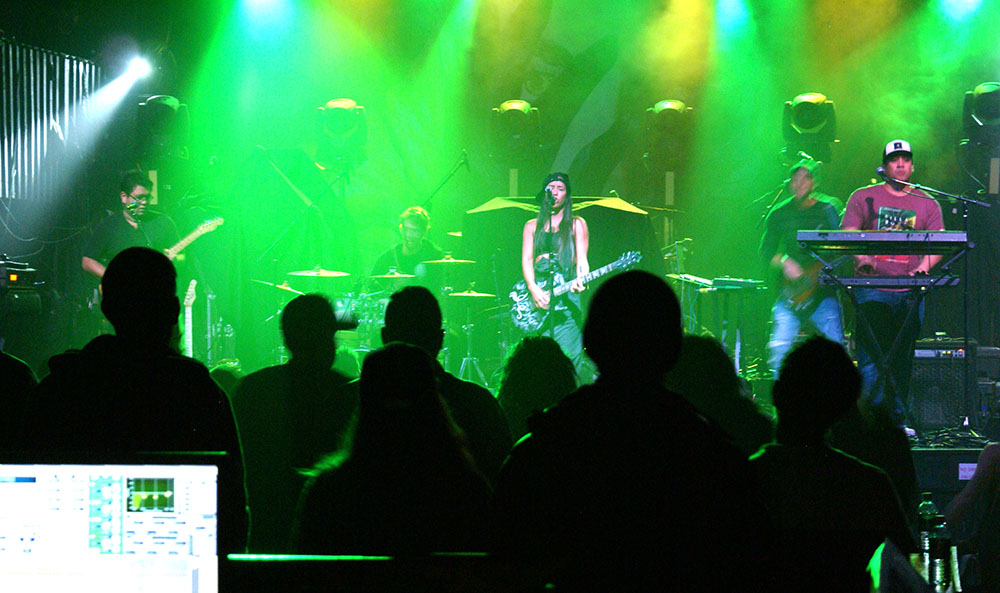 In the green, Leilani Wolfgramm, Aggie Theater, Ft. Collins, By De La Vaca for YS Magazine