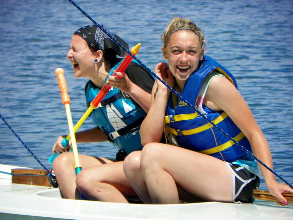Girls-laugh_Able-to-Sail_Yellow-Scene_2018_3_e1